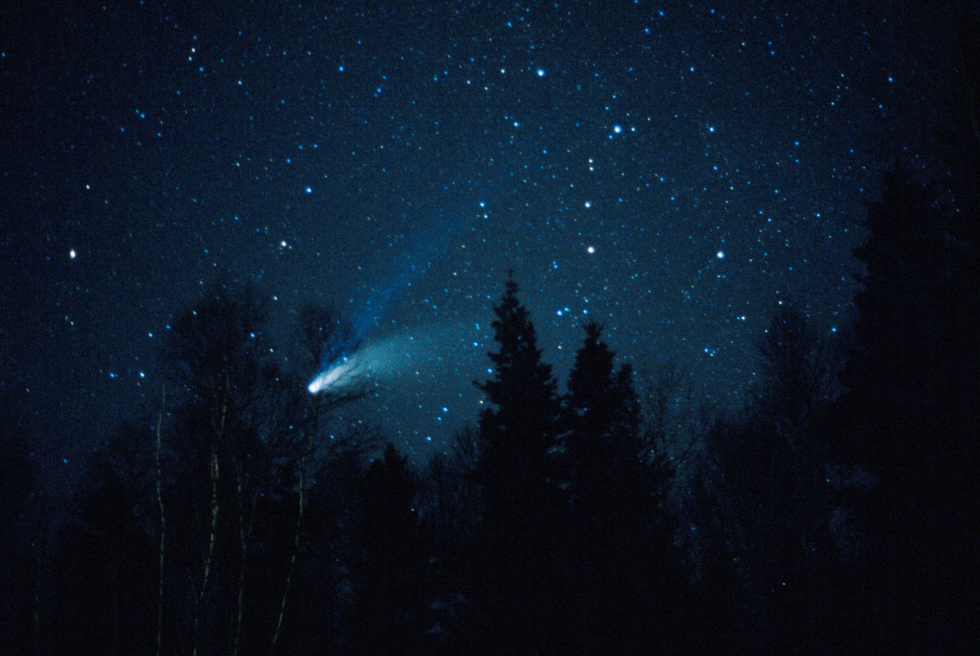 a recollecting on a sight of comet in the skies What's up in tonight's sky by garry beckstrom april 2018 these meteors are debris left from a comet called comet thatcher that was discovered in 1861 as a comet moves in its orbit around the sun it leaves debris behind that spreads out in the orbit.